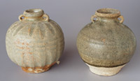Sisatchanalai ringhandled jars, height 12 and 13cm