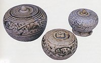 Sisatchanalai covered boxes. Boxes ranged from 10-18cm in diameter and 6-12cm in height.